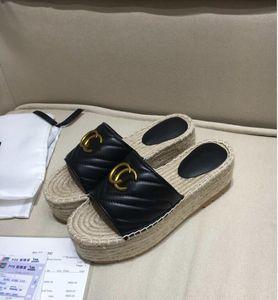 Markalar kadın Perçinler Yay düğüm düz terlik sandalet kızlar Flip flop çivili yaz Ayakkabı serin Plaj slaytlar jöle Ayakkabı 35-41