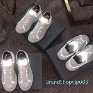 chaud Arrivées des femmes des hommes de mode de luxe Plate-forme Chaussures plates Marche Lady Casual Casual sneakers en cuir blanc lumineux fluorescent c20