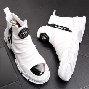 Nero camoscio bianco scarpe in pelle per gli uomini caldi della peluche di inverno degli uomini Stivali scivolare su Uomini Snow Boots 7 # 20 / 20D50