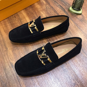 Luxus-Mode Herren-Schuhe aus echtem Leder flache Metallknopf Peas Schuhe Bequeme lässig treibende Trainer Schuhe Turnschuhe hohe Qualität Kleid