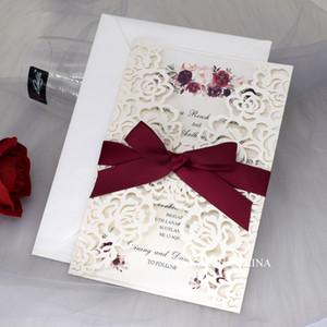 Elfenbein Shiny Rose Laser Cut Einladung zur Hochzeit, Pocketet Falten Blumendruck Hochzeitseinladung mit Bandabschluss einlädt