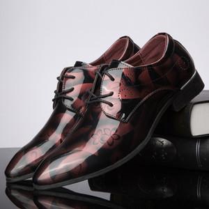 Venta caliente de cuero de los hombres zapatos clásicos de los hombres formales de los hombres zapatos de vestir para hombre zapatos casuales tallados calados de gran tamaño = 47 48 zapatos de hombre
