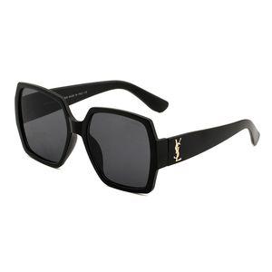 Nuevo 2019 Top Fashion 55931 gafas de sol Lentes de PC Hombres de lujo Mujeres Gafas de sol Revestimiento redondo Diseño de marca Vintage Eyewear Envío gratis