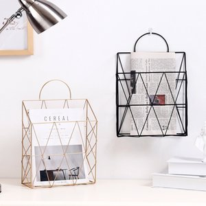 Nordic Rose Gold Ferro Desktop Libri Riviste Giornali Holder Portable Storage Detriti multifunzionale Hanging Basket archiviazione T200413