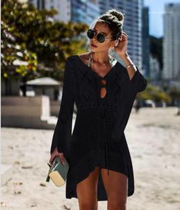 Ups Vestido Capa de punto ahueca hacia fuera el vestido de diseñador de vacaciones Vestidoes para mujer ropa de moda de playa de las mujeres de la cubierta