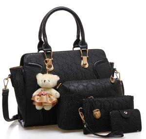 Designer Handbags New Women's Fashion Luxury Diagonal Cross-portable Child and Mother Bag Designer Four-piece Bag Pendant 2020