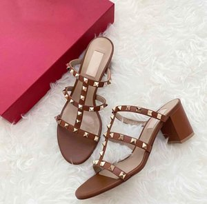 Summer Luxurious Brand Women Sandals Rock Studs Chunky Heels Rivets Strappy Slipper Sandals Sexy Ladies High Heels Party Wedding Dress 35-43