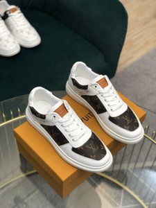 2020 brand men tennis shoes Embossed letters on the leather surface for a comfortable design luxury brands platform sneakers