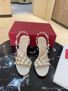 Summer fashion sandals ladies fashion rivet round head peep-toe breathable and comfortable high heel sandals Original exquisite packaging