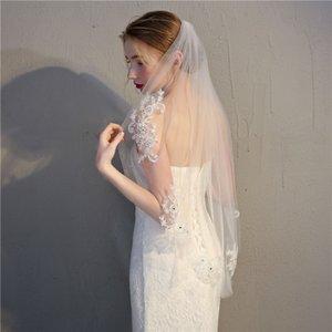 Neue Ankunfts-Kristall Spitze-Rand-Weiß-Elfenbein-Kathedrale Brautschleier Lange Brautschleier Günstige Hochzeit Zubehör Veu De Noiva C19041101