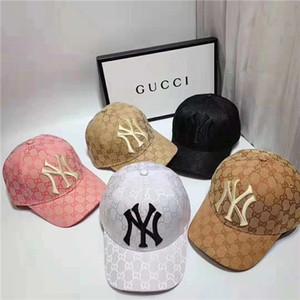 Le quattro stagioni casual da uomo e da donna ricamate in alfabeto di alta qualità possono regolare il berretto da palla del progettista di marca di moda all'aperto