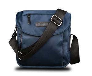 Mensageiro Design Homens Marca Designer-10 polegadas Novo Casual homens de negócios saco de moda bolsas mensageiro Oxford Vintage Mens Handbag O melhor presente