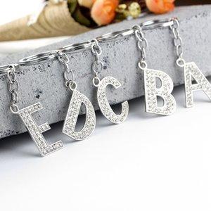 26 A Z Crystal letras iniciales en inglés Llavero anillos dominantes de los titulares de joyería colgante del bolso encanto de la manera envío de la gota regalo