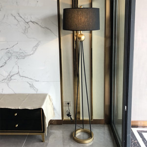 American Style Retro LED Ferro Lampade a stelo Camera Soggiorno Standing Lamp Hotel Decor Piano Light Fixtures apparecchio per l'illuminazione