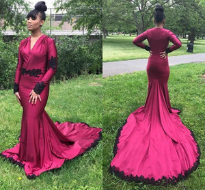 2020 Burgundy V Neck Mermaid Prom Dresses Long Sleeves Evening Gowns Black Lace Appliques Party Formal Wear
