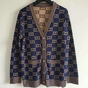 2020 Sommer-Marken Samen Stil Pullover mit V-Ausschnitt Cardigan Brief Langarm-Brief-Knopf-Frauen-Kleidung