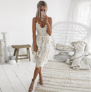 Senza maniche Halter Moda vestiti da partito donne sexy Summer Dress profondo scollo a V Backless pizzo del vestito dalla fasciatura Midi