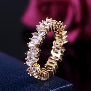 Neuer Ankunfts-funkelnder Diamant-Verlobungsring der Frauen eleganter unregelmäßig weißen Zirkonia Gepflasterte Geburtstag Schmuck Geschenk