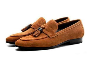 Moda Mocasines de borla Zapatos de caballero de lujo de gamuza Casual Stress Shoes hombres vestido de la marca zapatos de fiesta tamaño 37-44