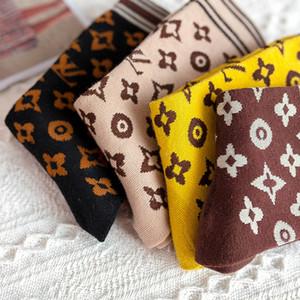 Женщины Письмо печати Носки цвет смешивание дышащего хлопок носки Мода чулочно-носочные изделия подарка для любви Girlfriend Оптовой цены