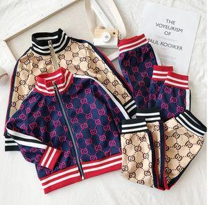 Casual sportivo bambino e vestiti del bambino di colore di contrasto di modo due pezzi giacca lettera del cardigan baby set all'ingrosso