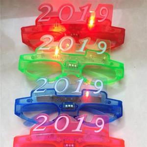 Flash Kunststoff LED Brille 2019 Frohes Neues Jahr Brille Kinder Spielzeug Mode Geschenk Festival Bar Prop Bunte Brille 2zy hh
