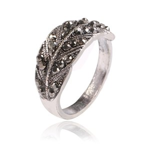 European and American fashion jewelry bright black diamond simple index finger ring explosive retro leaf ring