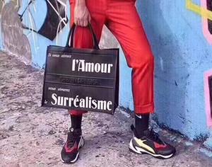 2020 neue PU-Leder Letters Hochwertige Mode Original-Marken-Designer-Handtasche der Frauen Versandtasche Buch Tote Damegeldbeutel Schultertasche PARIS