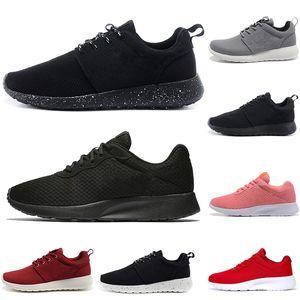 Avec Chaussettes Tanjun 1.0 3.0 Run Chaussures de course hommes femmes noir faible poids léger respirant Chaussures de sport olympique sport Londres entraîneurs des hommes