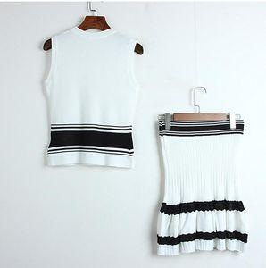 34 2019 Primavera Due pezzi Set Skirt Skirt Simily Pullover Brand Same Style Due pezzi Set a righe DL DL