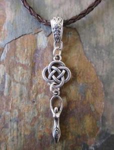 Pelle pendenti di collana in argento Designer Celtic Knot dell'annata della collana tripla Moon Goddess Girocollo tessitura per il regalo dei monili delle donne punk