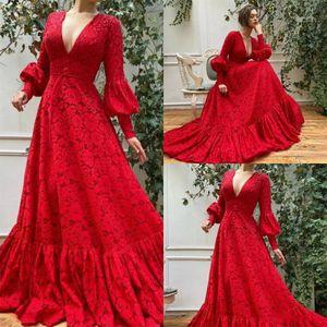 2020 Красный Кружева Вечерние Платья Длинные Рукава V Шеи Линии Пром Платье Развертки Поезд Длинные Арабский Вечерние Платья Мантия-Де-Вечер