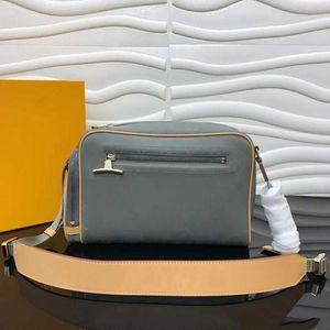 Neueste Großhandel Tasche Kameratasche 2019 neue Welle Winter koreanische Version Mao karierte Handtasche Wild Xiaofang Umhängetasche 3884