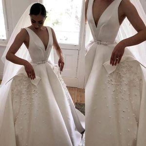 Cheap V Neck Wedding Dresses with Appliques Beaded Satin Sleeveless Bridal Gowns Ruffle Sweep Train Custom Made Wedding Dress