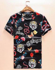 Мода Мужчина Повседневной Tshirt Италия Тигр Змей Цветы бабочки Печатный Спорт футболка O-образный вырез Классического Tshirt Топы Тис Черного Размер M-XXXL