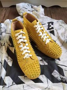 Junior Spike Sneakers Ayakkabı Kadınlar, Erkekler Yüksek Üst Sarı Süet Eğitmenler Tasarımcı Kırmızı Alt Parti Elbise Sneaker Rahat Yürüyüş Daireler