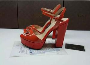 Patent deri kırmızı beyaz metal tokaları tıknaz topuk platformu sandalet kadın rugan gelinlik ayakkabı yaz bayanlar sandalet pompaları