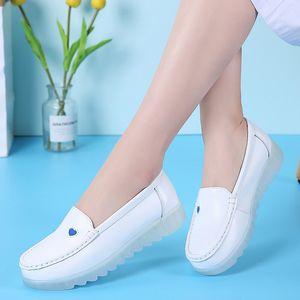 2019 New Style Genuine Leather Large Size Nurse Shoes Women's Casual White Hospital Shoes Slanted Heel Soft-Sole Beauty Work Loa