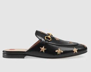Роскошные дизайнерские кожаные сандалии мокасины меха Muller туфли с пряжкой Мода женщин Princetown Женской Повседневной Fur Мулы Квартира Нью туфлей 10