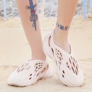 Chaussures d'été Casual Hommes Sandales souple Mesh couple plage Chaussons en mousse Runners Confort tongs Slipper Hommes Sandales Natation