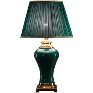 Europäische Klassik Grün -Keramikstoff Tischlampe Jade Prinzessin Hochzeit Wohnzimmer Leseschreibtischlampe TA015