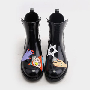 Salto Hot Sale-PVC tornozelo botas de chuva Mulheres planas RainBoots Waterproof água Shoes Mulher Wellies Tr199