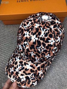 VL تصميم فاخر للجنسين قبعة بيسبول للنساء رجال الصيف الجمجمة الرياضة قبعات أوروبا أمريكا شعبي العظام غطاء قابل للتعديل gorras جولف منحني هات