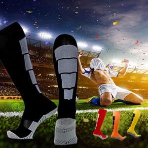 Nuove Sport Mens calzini lotto del cotone di elasticità Ventilare Athletic Socks di esercitazione di ginnastica Sport Calcio Calze
