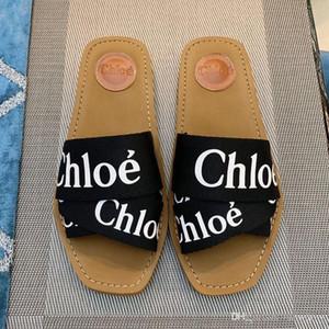 Mulher Sandals carta lona Sole Plano Slipprs sapatos de borracha Verão senhoras único outdoor Virar praia causal Flops formal com caixa original