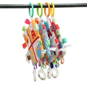 Dentaire anneau en caoutchouc souple Hanger Saisissant Réconfortant Doll jouets pour bébé bébé essuie-mains Rattle Consolateur Jouets Blanket gros