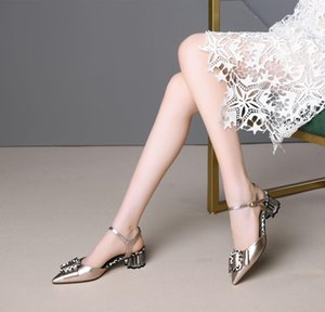 Will Shoes Pop2019 Com grossas sandálias de couro genuíno Sólido cor linda Bow Ferrolho Cavity afiada de Mulheres