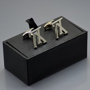 Prix promotionnel marié chemise Cufflink avec boutons de manchette boîte à bijoux de luxe Cuivre Boutons de manchette pour cadeau de Noël