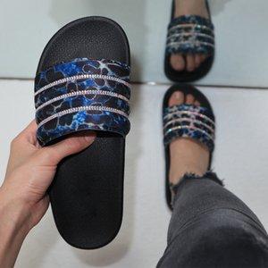 Синий леопардовый Rhinestone Тапочки лета женщин Sexy Beach Вьетнамки Sexy Flat Повседневная обувь Ladies Слайды EVA сандалии