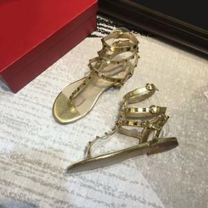 wommens zapatos de las mujeres zapatos de diseñador de las sandalias de lujo de diseño de la plataforma del remache Los diseñadores de moda Zapatilla de diapositivas Señora tachonado sandalias del diseñador